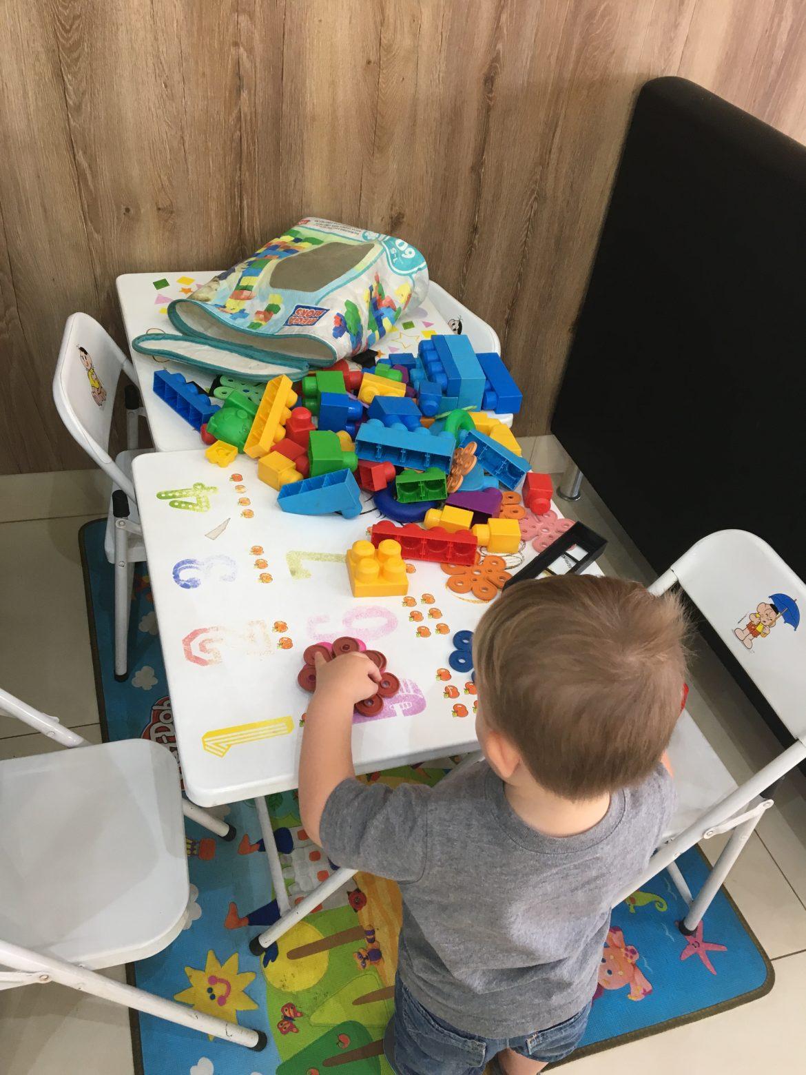 Mesa de brinquedos no Lug's - Olímpia/SP