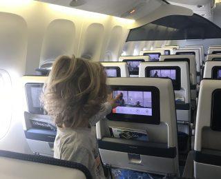 Prioridade para bebês e crianças em aeroportos