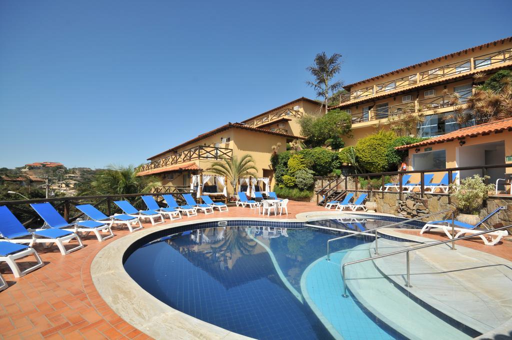 Área externa e piscina do Rio Búzios Beach Hotel