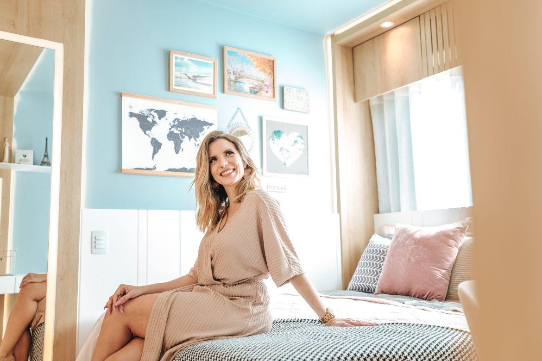 Máira Miranda - Mãe no Mundo - em seu apartamento